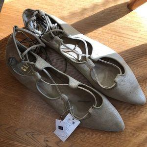 🎉NWT🎉 Gap Shimmer Gladiator Sandals